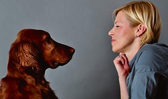 Foto Sabine Kerner mit ihrem Hund